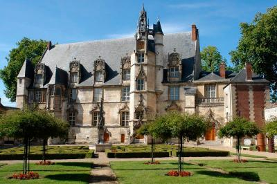 Monuments historiques - Couverture en ardoises et plomb - Musée de Beauvais